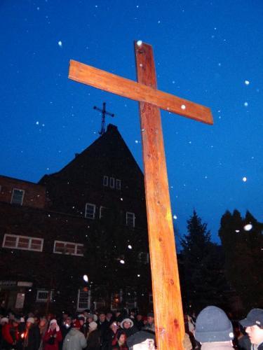 parafialna-droga-krzyzowa-2013-01