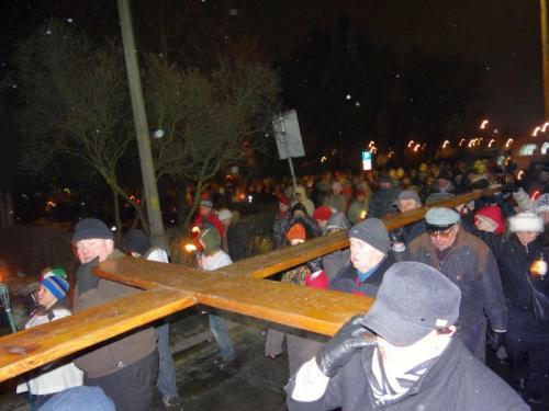 Parafialna droga krzyżowa - 2013