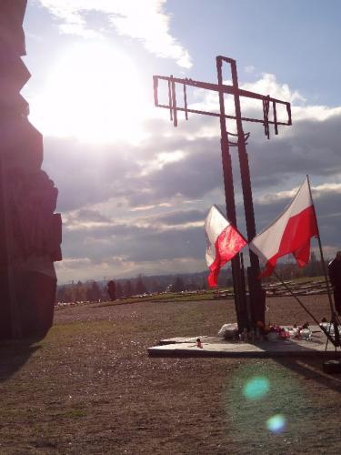 msza-z-ojczyznc499-i-procesja-na-cmentarz-58