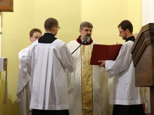 wigilia-paschalna-i-rezurekcja-2013-17