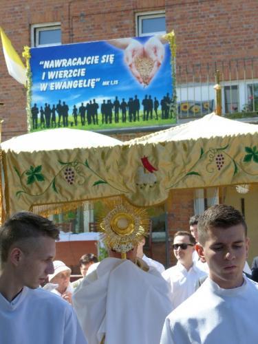 procesja-Bozego-Ciala-4.06.15-10