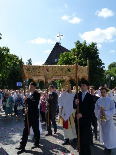 procesja-Bozego-Ciala-4.06.15-13