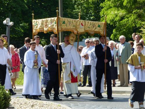procesja-Bozego-Ciala-4.06.15-17