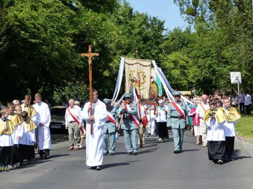 procesja-Bozego-Ciala-4.06.15-28