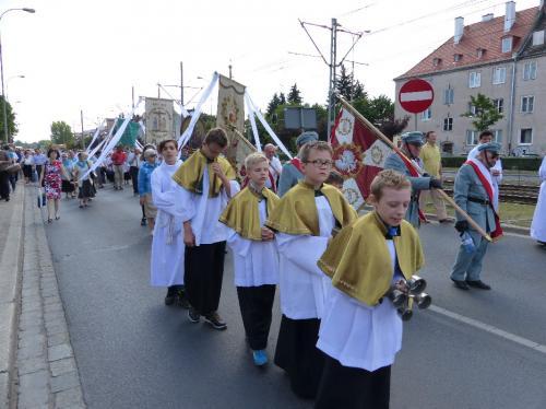 procesja-Bozego-Ciala-4.06.15-37