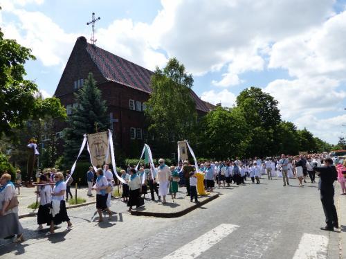 procesja-Bozego-Ciala-4.06.15-42