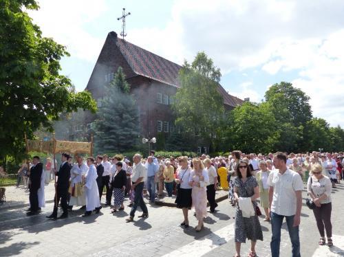 procesja-Bozego-Ciala-4.06.15-45