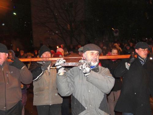 parafialna-droga-krzyzowa-2013-10