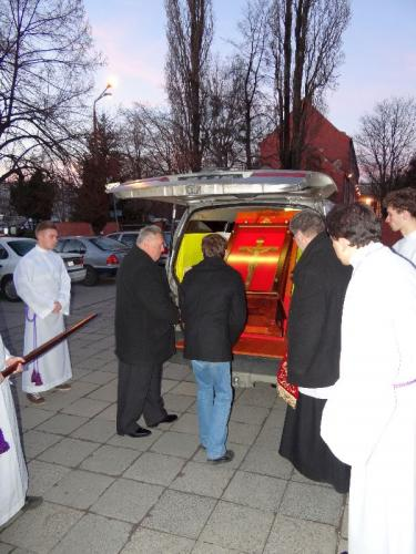 peregrynacja-papieskiego-krzyza-2-3.03.13-03