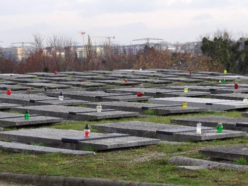 msza-z-ojczyznc499-i-procesja-na-cmentarz-54