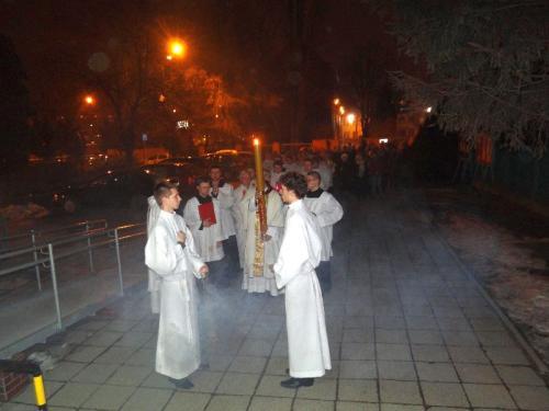 wigilia-paschalna-i-rezurekcja-2013-06